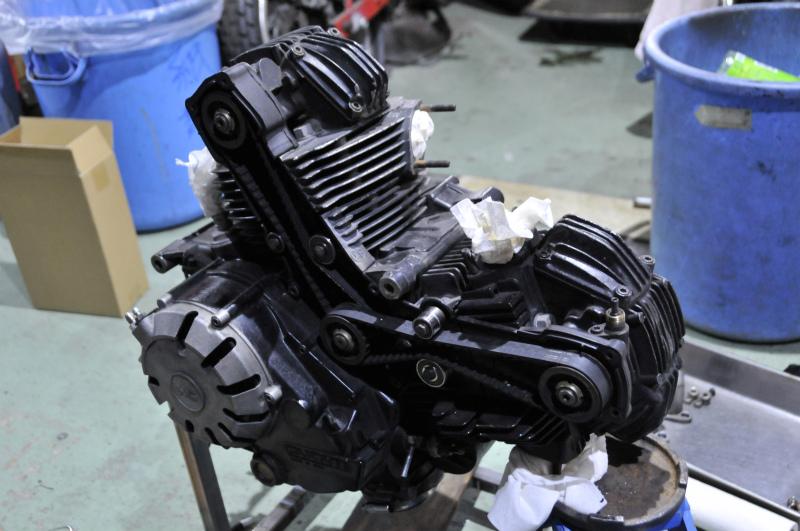 DUCATI   F1 エンジン全バラ写真集vr1_a0051924_2141070.jpg
