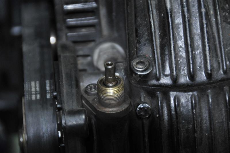 DUCATI   F1 エンジン全バラ写真集vr1_a0051924_2141455.jpg