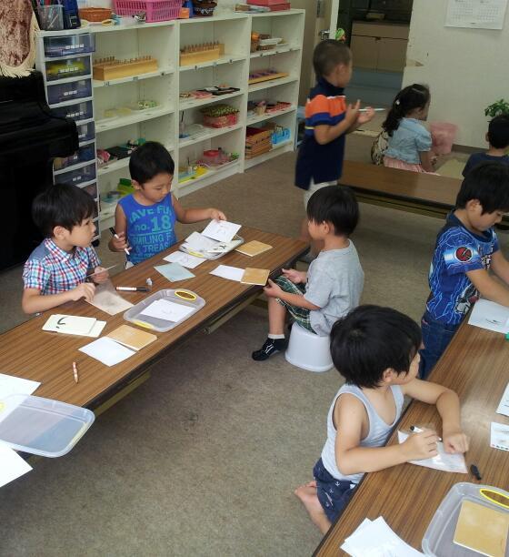 幼稚園クラス【年少さんの様子です】_a0318871_17190124.jpg