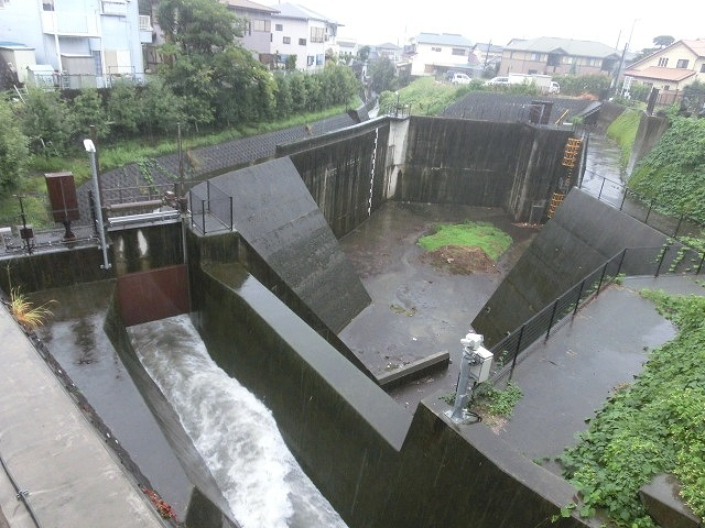 台風18号はこれから数時間が最も危険 万全な態勢で!_f0141310_7525739.jpg