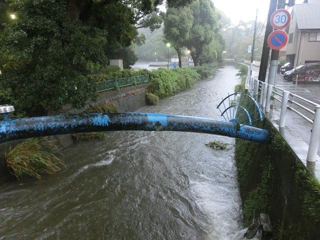 台風18号はこれから数時間が最も危険 万全な態勢で!_f0141310_7532480.jpg