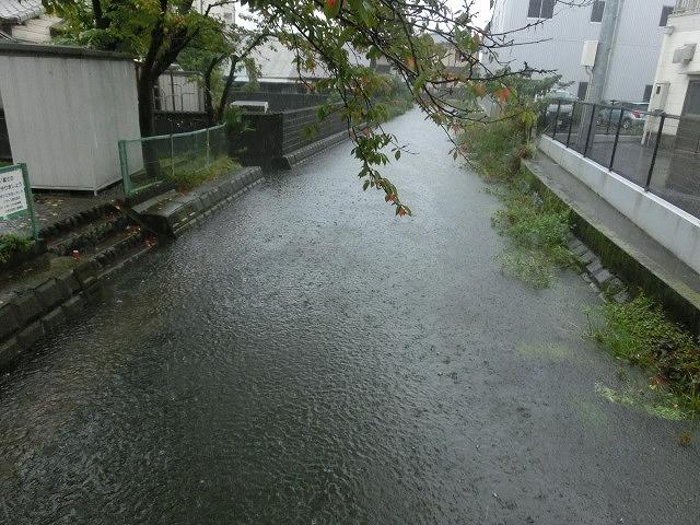 台風18号はこれから数時間が最も危険 万全な態勢で!_f0141310_7533370.jpg