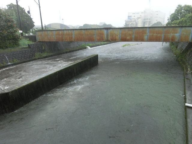 台風18号はこれから数時間が最も危険 万全な態勢で!_f0141310_754485.jpg