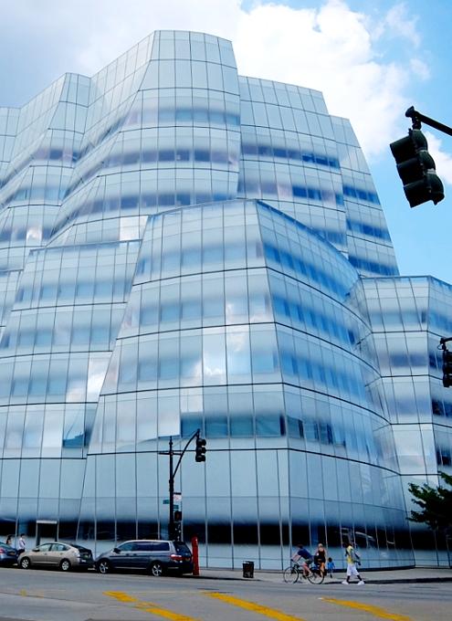 NYのフランク・ゲーリー建築の代表作の1つ、IAC本社ビル_b0007805_22203296.jpg