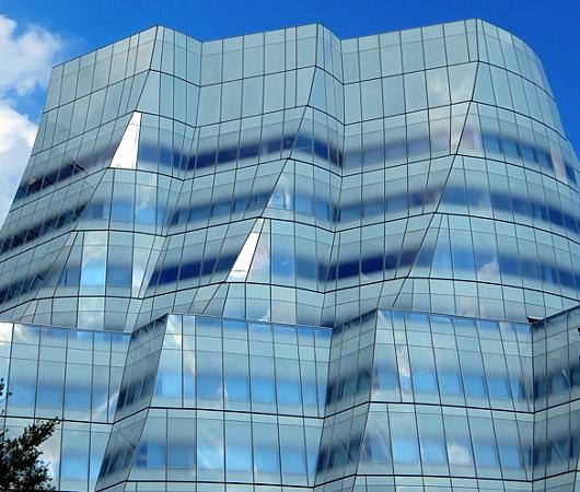 NYのフランク・ゲーリー建築の代表作の1つ、IAC本社ビル_b0007805_22205921.jpg