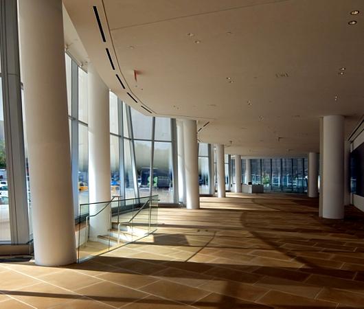 NYのフランク・ゲーリー建築の代表作の1つ、IAC本社ビル_b0007805_22212794.jpg