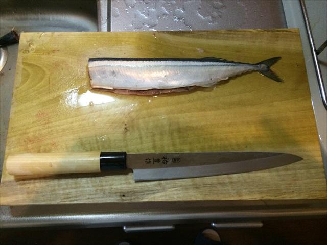 秋の秋刀魚を3枚におろす_f0207410_17342697.jpg