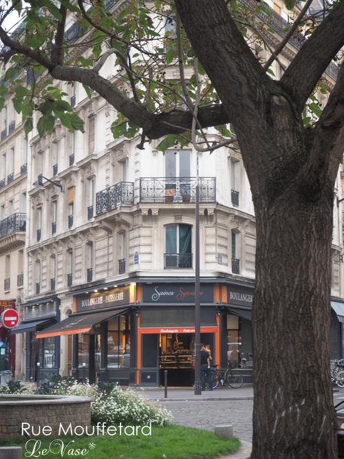 Parisでも最も古い通りRue Mouffetard_e0158653_1722852.jpg