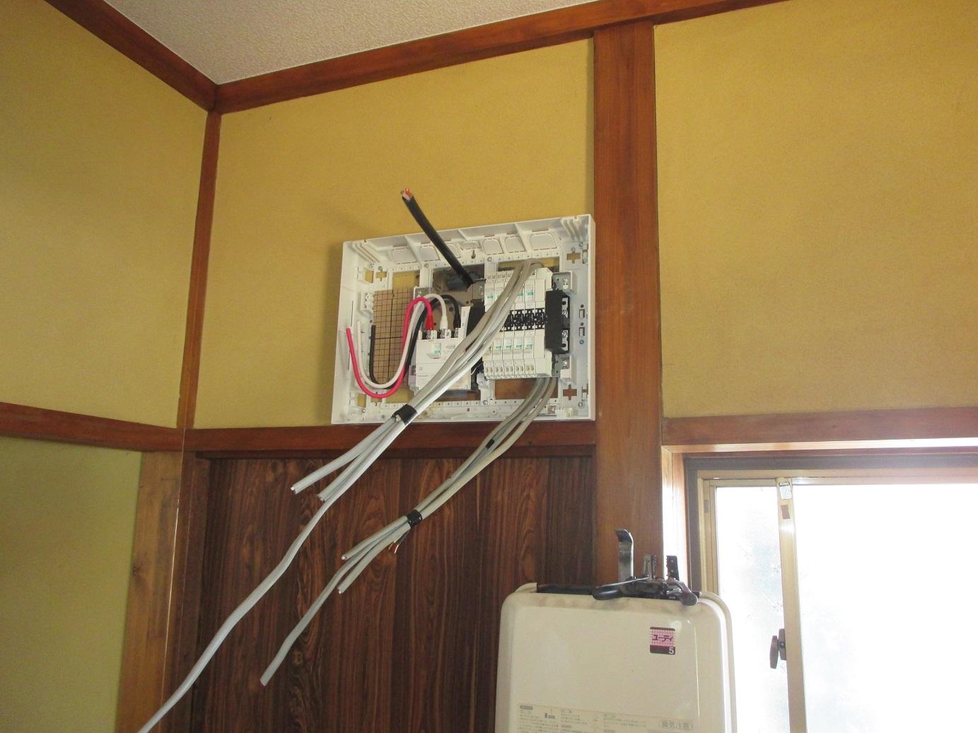 中古住宅リフォーム ~ 電気工事_d0165368_16424353.jpg