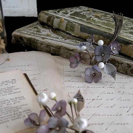 秋色紫陽花と蝋の蕾のブーケ_f0134670_2322054.jpg