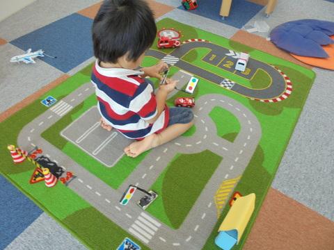 道路と信号と横断歩道_b0228113_15453045.jpg
