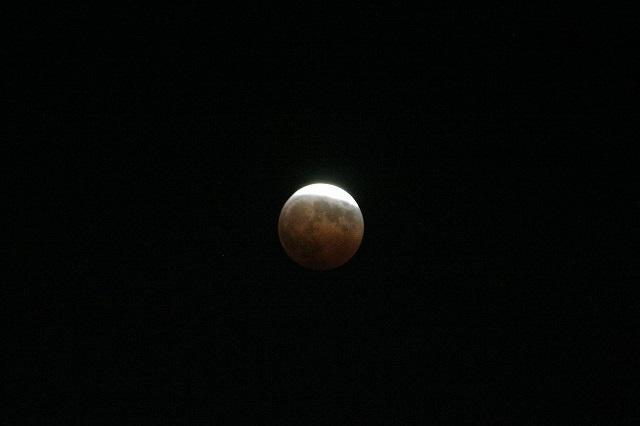 皆既月食_c0048117_23543070.jpg