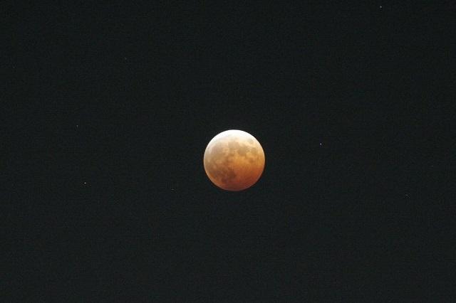 皆既月食_c0048117_2355523.jpg