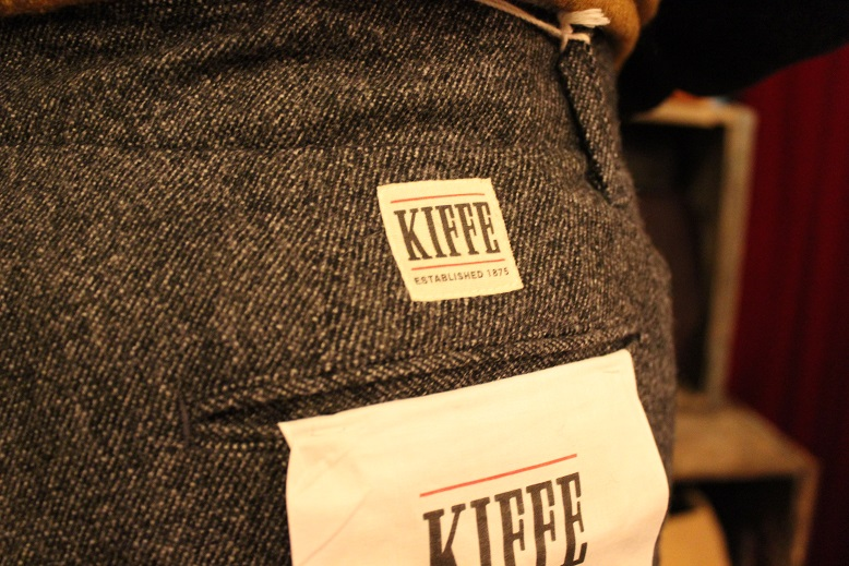 "KIFFE ""WOOL STRETCH TAPERED PANTS\"" & KAMO_f0191324_12164190.jpg"