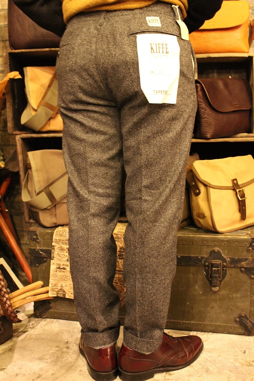 "KIFFE ""WOOL STRETCH TAPERED PANTS\"" & KAMO_f0191324_12165667.jpg"