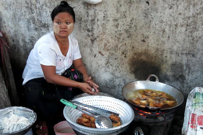 ミャンマーの人々02・・・白髭_d0138130_1728794.jpg