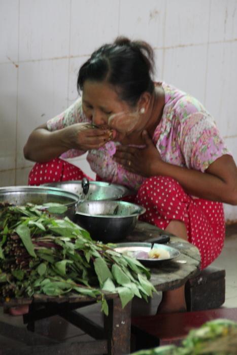 ミャンマーの人々02・・・白髭_d0138130_17294348.jpg