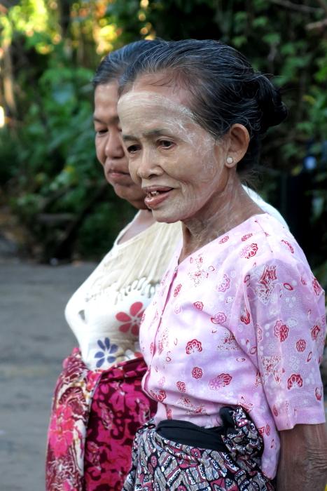 ミャンマーの人々02・・・白髭_d0138130_17312557.jpg