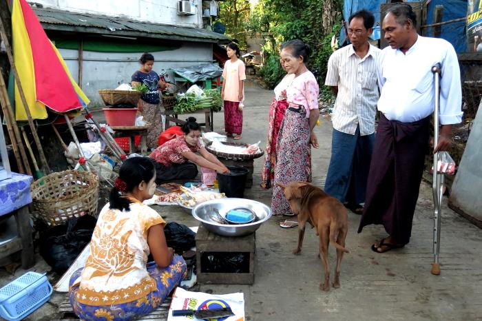 ミャンマーの人々02・・・白髭_d0138130_1734398.jpg