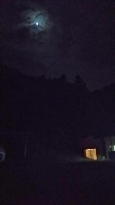 赤い月_a0272042_22371334.jpg