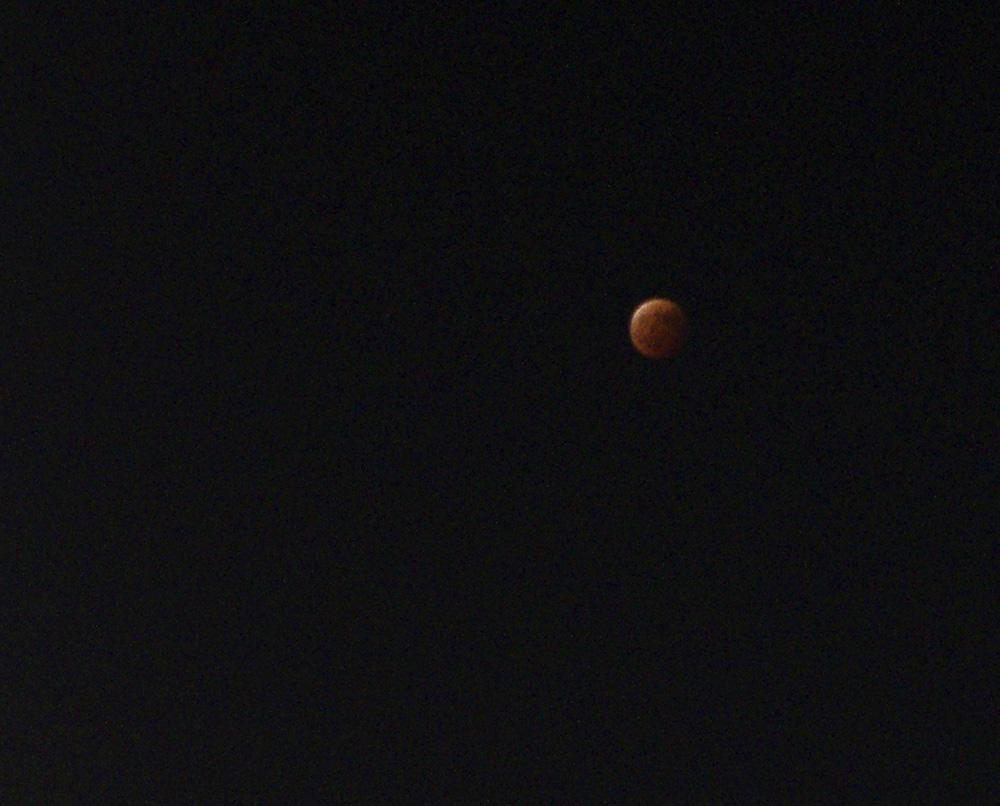 皆既月食。_e0267277_20200007.jpg