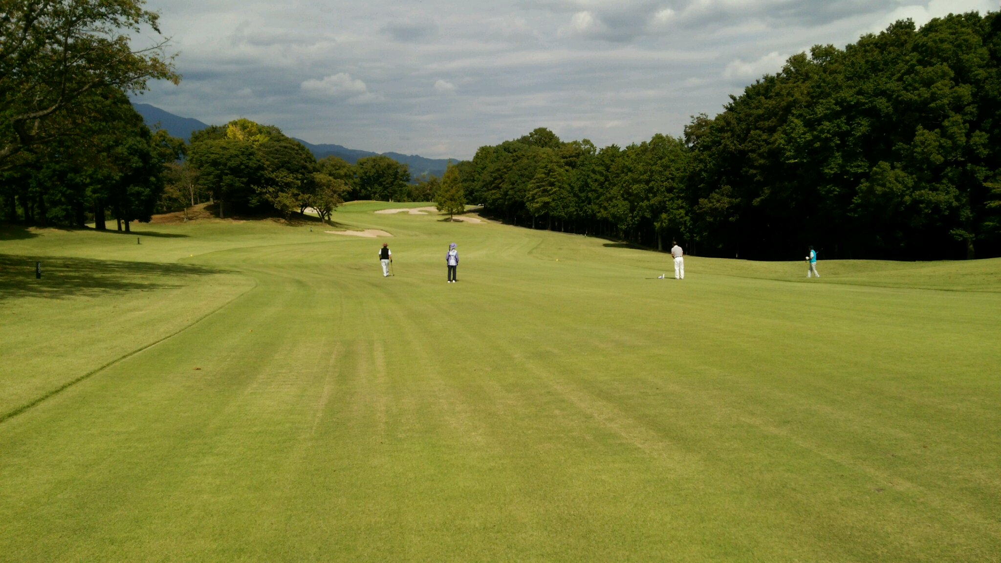 今日はゴルフでリラックス。_e0119092_17425616.jpg