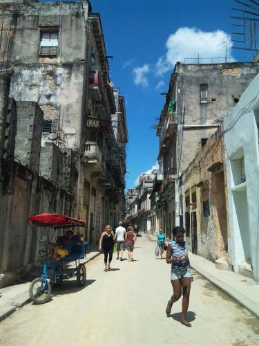 キューバな夢 _a0103940_22510804.jpg