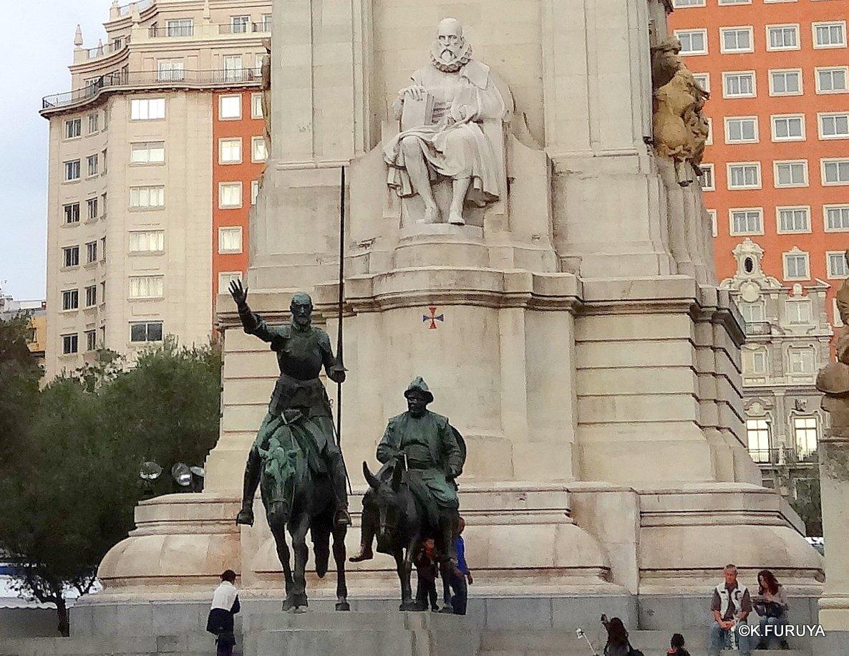 スペイン旅行記 4 マドリード スペイン広場と王宮_a0092659_20362766.jpg