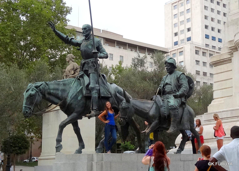 スペイン旅行記 4 マドリード スペイン広場と王宮_a0092659_2123120.jpg