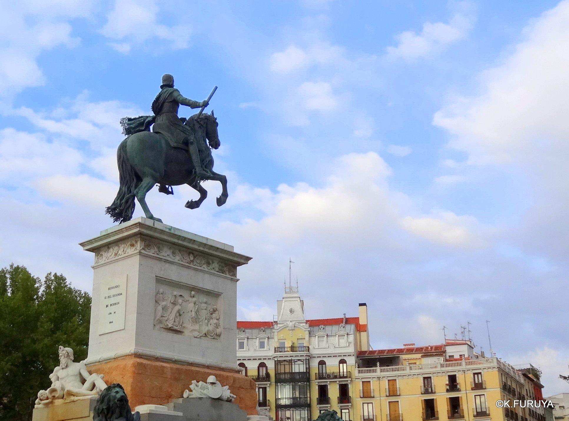スペイン旅行記 4 マドリード スペイン広場と王宮_a0092659_2218990.jpg