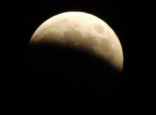 皆既月食_e0086798_6321424.jpg