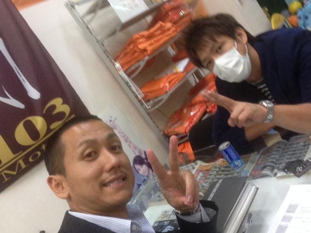 10/10(金)店長のニコニコブログ~ランクル アルファード ハマー_b0127002_22405129.jpg