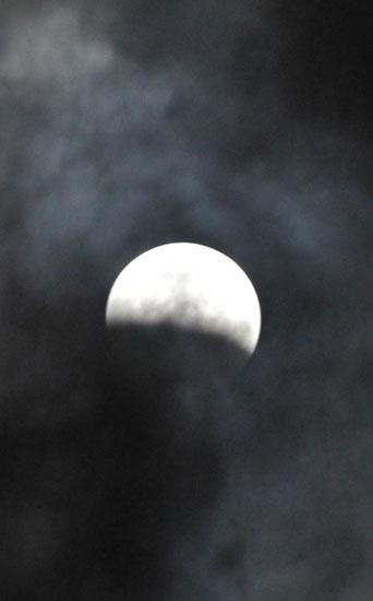 月食_c0093046_1725288.jpg