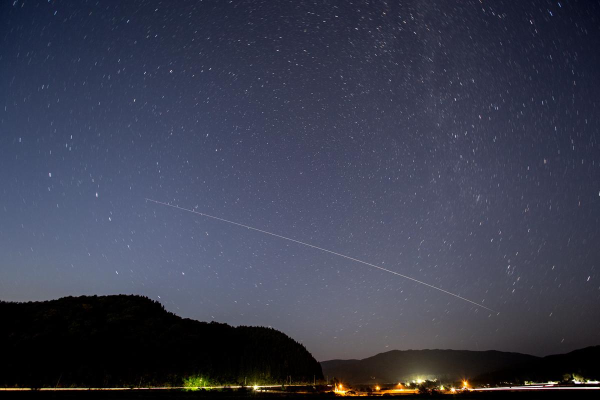 夕空をゆく国際宇宙ステーション_a0087133_2215178.jpg