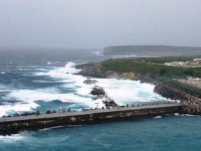 10月11日 すごい風が吹いています!_b0158746_169816.jpg