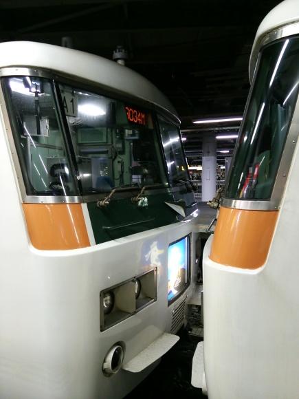 品川駅にて!湘南ライナー_d0202264_11033065.jpg