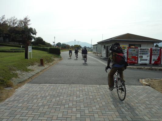 笠岡コスモス&ラーメンサイクリング_c0132901_18122037.jpg