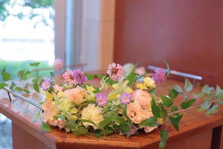 秋の装花 FEU様へ 淡い色の草花で、お任せで_a0042928_1910313.jpg