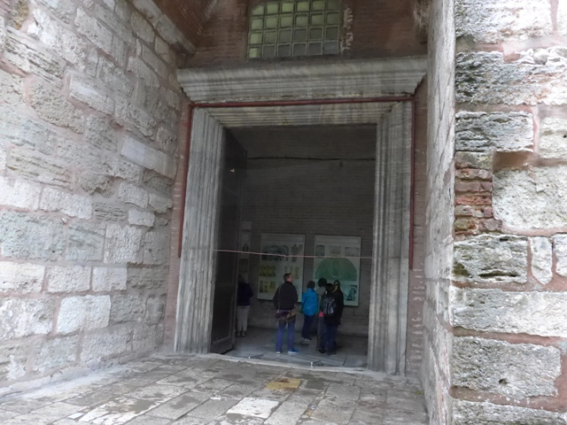 イスタンブールへ行く。⑤ ~2大モスクに行った話~_f0232060_122468.jpg