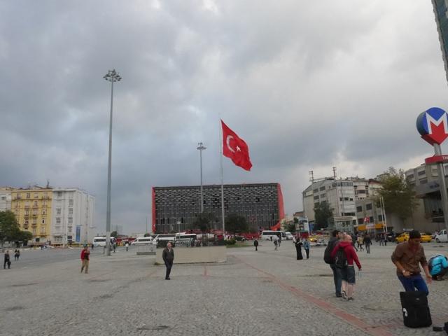 イスタンブールへ行く。⑧ ~濡れバーガーがマズい話~_f0232060_2350154.jpg