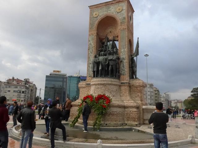 イスタンブールへ行く。⑧ ~濡れバーガーがマズい話~_f0232060_235159.jpg