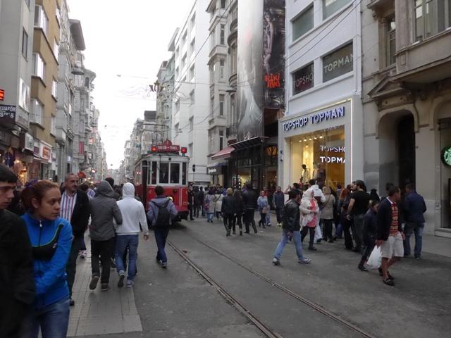 イスタンブールへ行く。⑧ ~濡れバーガーがマズい話~_f0232060_23534534.jpg