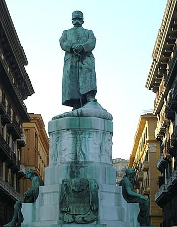 サンタルチア地区_e0224461_23295241.jpg