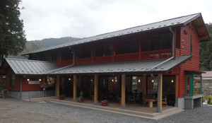 奥多摩に新たなカフェレストラン_c0340785_15292575.jpg