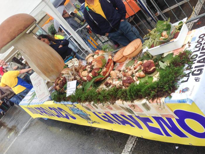 """イタリアの秋の恵み🍁 \""""ジャヴェーノのポルチーニ茸祭り\"""" Festa del Fungo a Giaveno_b0246303_22270885.jpg"""
