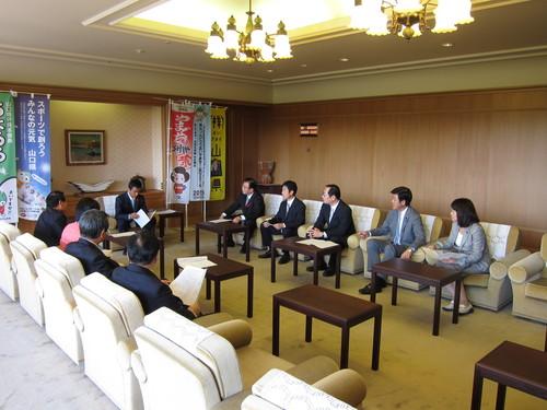 10月10日 徳山ポートビル建て替えを知事に要望_c0104626_16571836.jpg