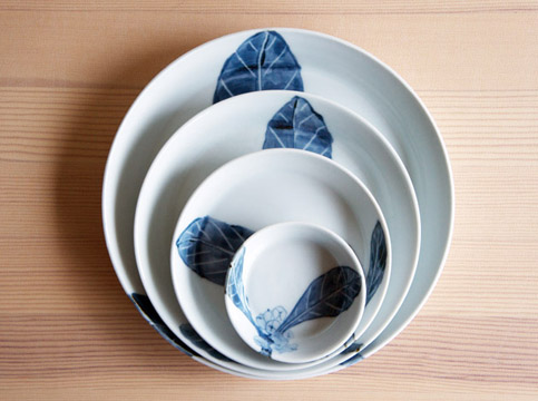 古川桜さんの丸皿が入荷しました!_a0026127_2127346.jpg