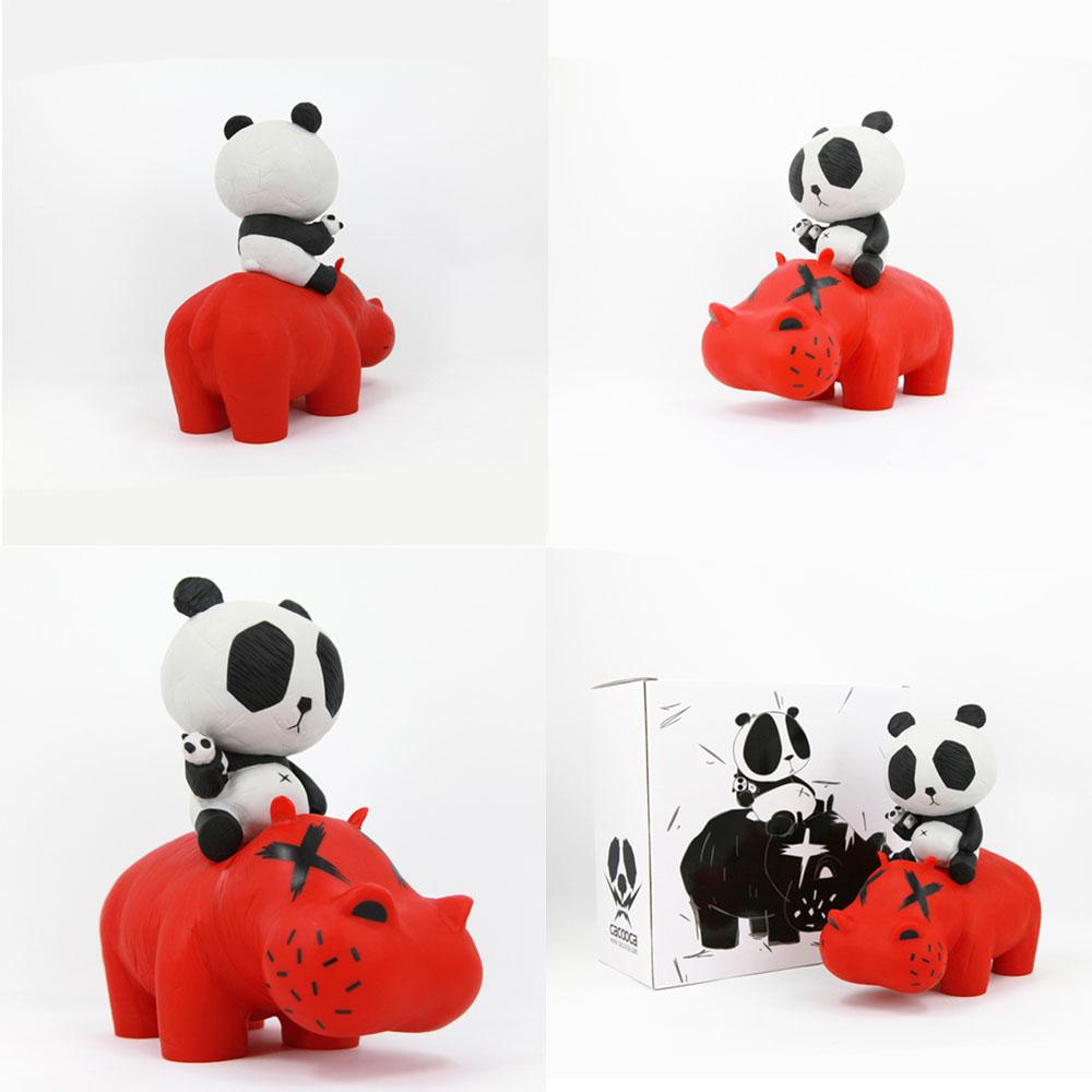 本場・北京在のアーティストによるパンダ・フィギュア_a0077842_20543576.jpg