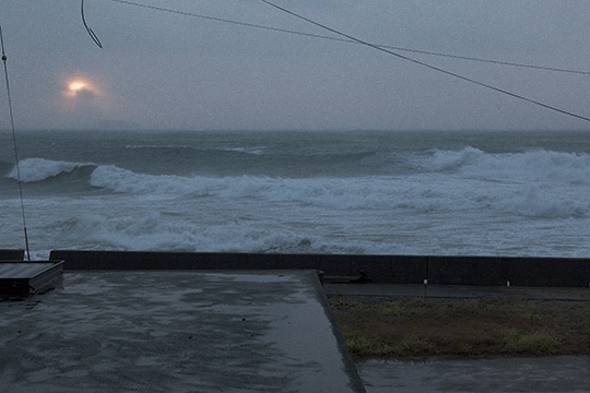 荒れる海_d0159062_22042831.jpg