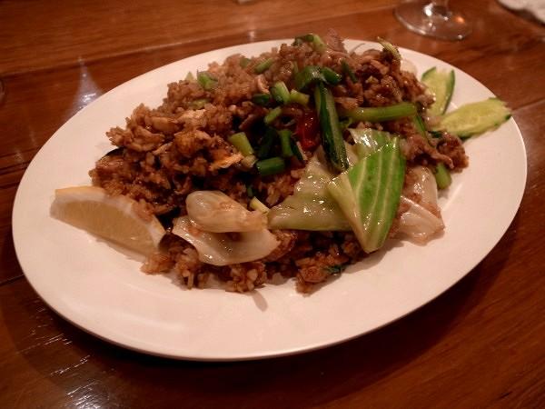 タイのアメリカ炒飯と電車炒飯_e0152073_2041367.jpg